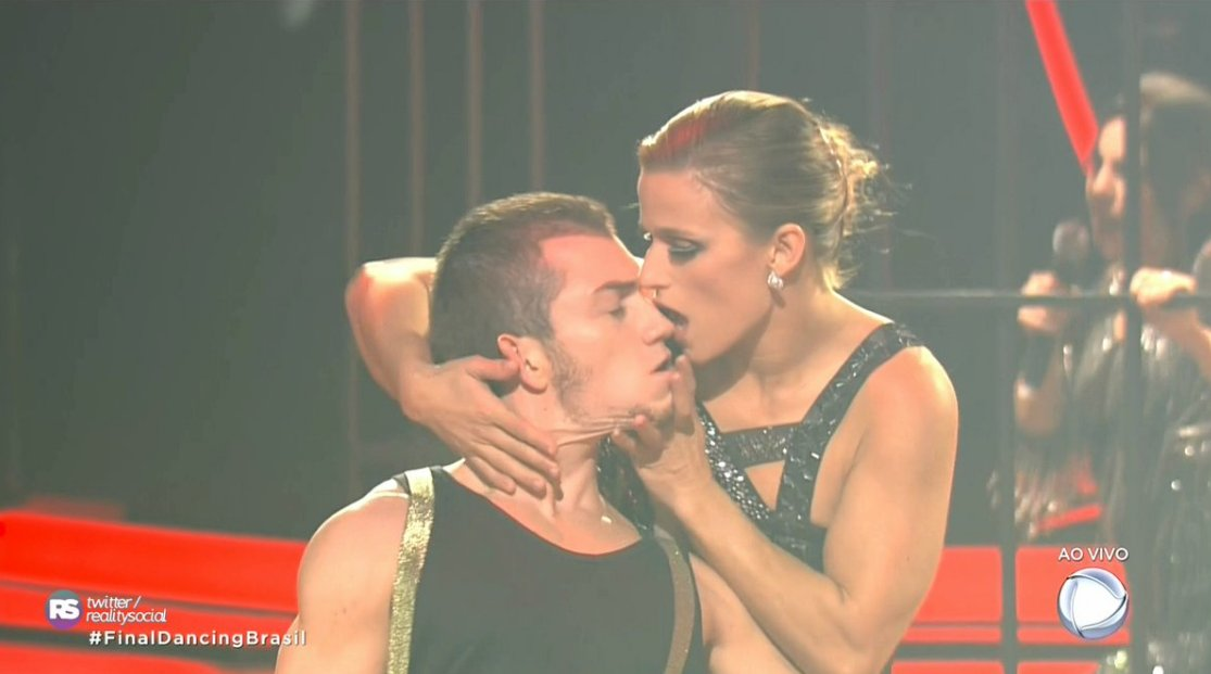 Jade muito maravilhosa no tango! Já ganhou! #FinalDancingBrasil https:...