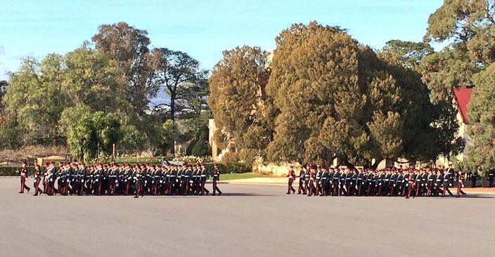 &quot;Arm swing at breast pocket height&quot; &quot;Bends out of the elbows&quot;. Looking good #RMC for today&#39;s Graduation Parade. @AustralianArmy<br>http://pic.twitter.com/9Ym6L8lf7E