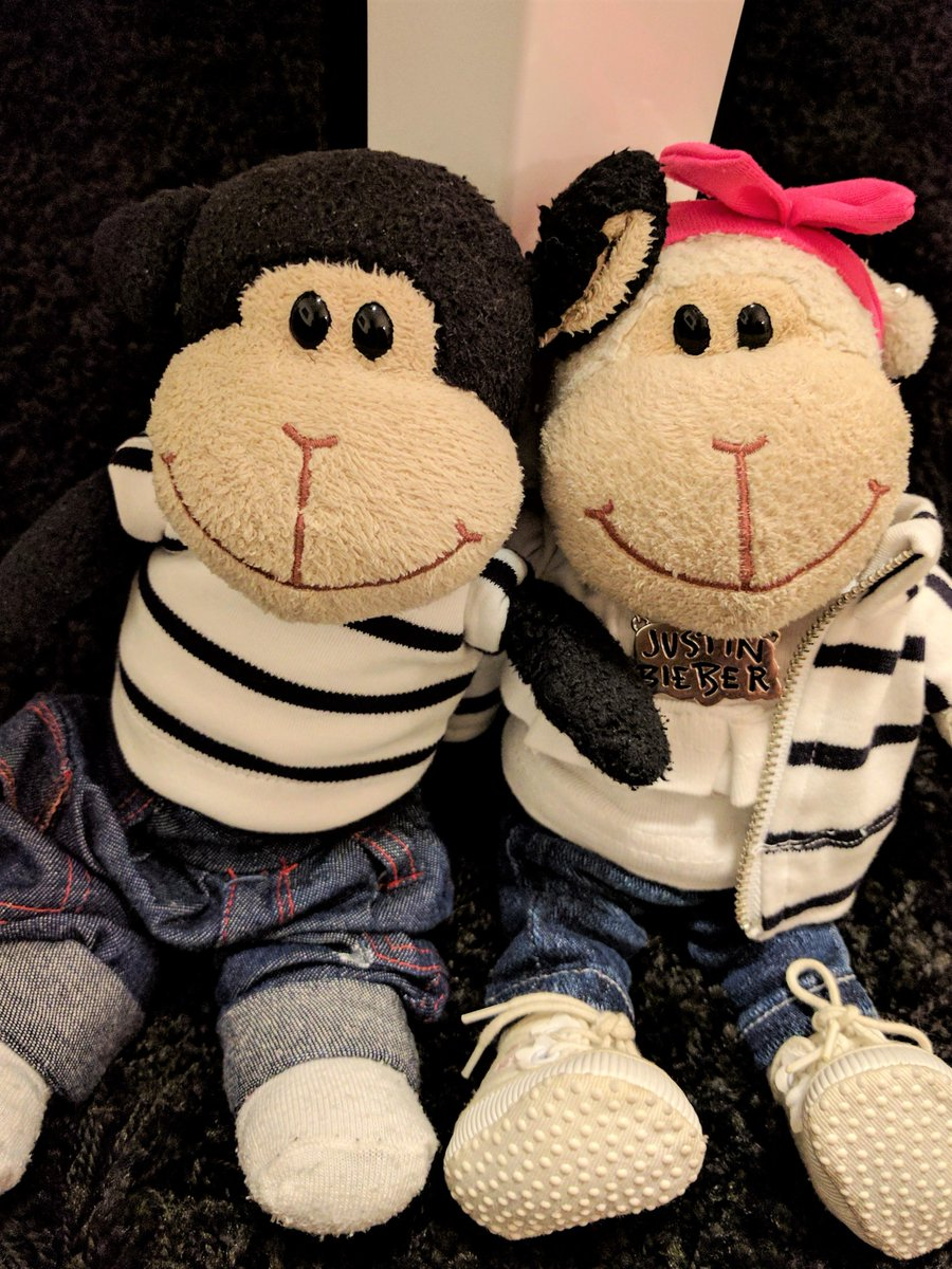 me and @lumo_prince with #stripes  and #jeans   #fashion #denim #streetwear #outfit #fashionblogger #fbloggers #style #beliebers<br>http://pic.twitter.com/vodSylCx08