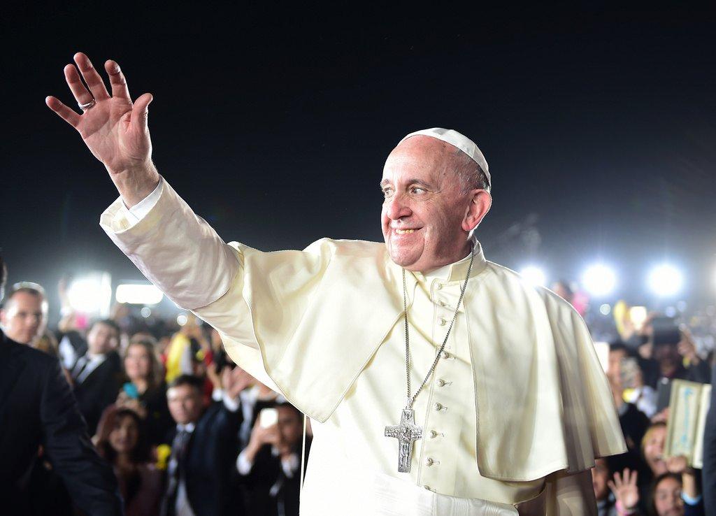 ¡Felicidades @Pontifex_es ! El Papa celebra el 25 aniversario de su Or...