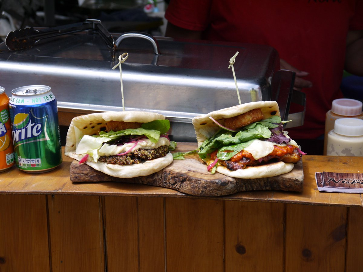 The #sun struggles to shine? Boost your #mood with our #deliciousfood ! @StJPiccadilly #Tuesday #LoveLondon #streetfood @Streetzine #London<br>http://pic.twitter.com/nuEL3kX07T