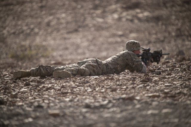 This range is hot!   @USAfricaCommand conducts vital &#39;hot range&#39; training in #Africa   https:// go.usa.gov/xNGwm  &nbsp;  <br>http://pic.twitter.com/8EGNCPSq6k
