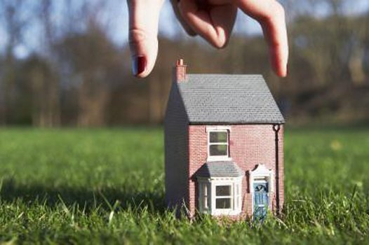 WHO is the NEW Competition Facing First Time HomeBuyers?  via NAR   http:// ow.ly/ktI930cP4Zd  &nbsp;   #Realtor #RealEstate #HomeBuyers<br>http://pic.twitter.com/tviFFbfAA4