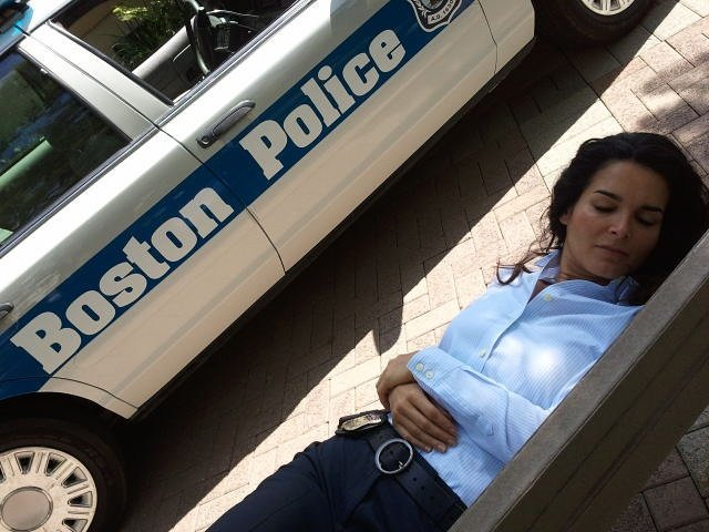 Sleep peacefully good people: the Boston Police watch over you!  Sweet dreams @Angie_Harmon #tbt #rizzoliandisles #janerizzoli<br>http://pic.twitter.com/bw3Fn6UpGR