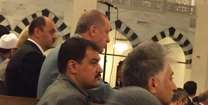 #Erdoğan'ın rahatsızlandığı camide neler oldu?  https://t.co/8lf6CenaZ...
