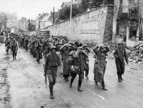 #onthisday in 1944 #US troops liberate #Cherbourg, #France History<br>http://pic.twitter.com/wrPBvjelMV