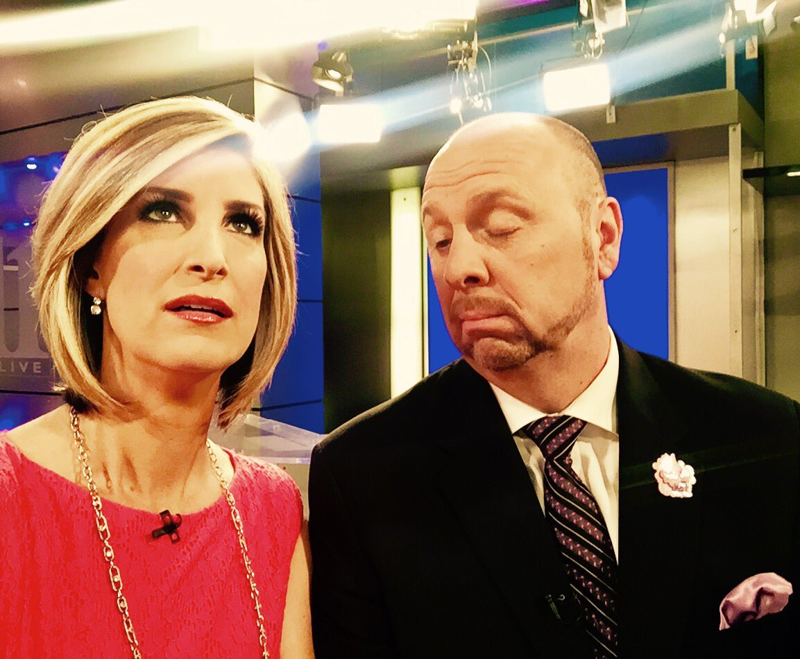 When great friends take awful pictures. @CrashClark #AtlantaAlive <br>http://pic.twitter.com/hG8Gu9PYvS
