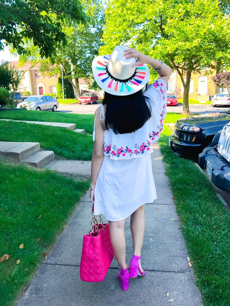 This #outfit + 1 more is up on the blog! &amp; find out why I&#39;ve been MIA for a month!  http:// wp.me/p7UFak-59U  &nbsp;   #fashionblogger #summerfashion<br>http://pic.twitter.com/lfOoIxwRW6