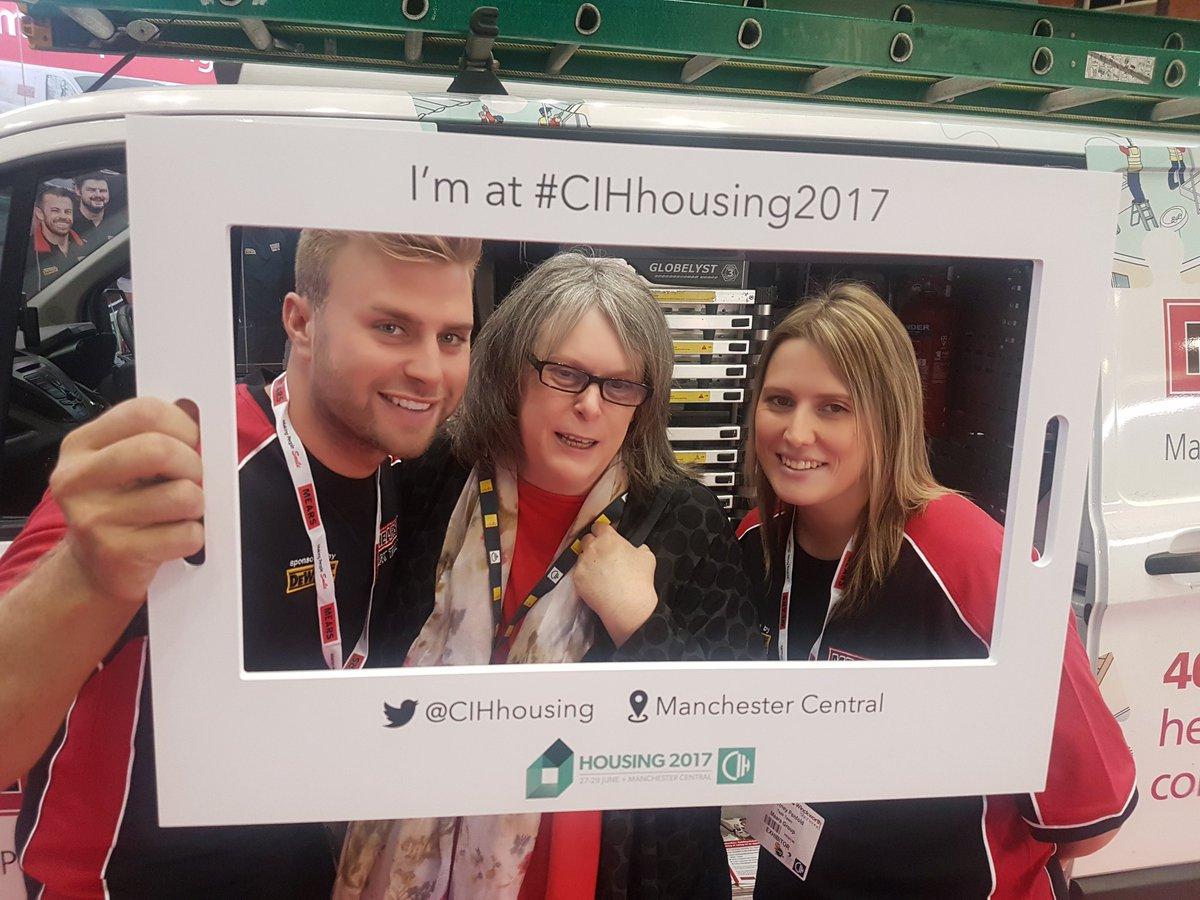 🚐 In-man with a van #cihselfiechallenge #CIHhousing2017 @mearsgroup @A...