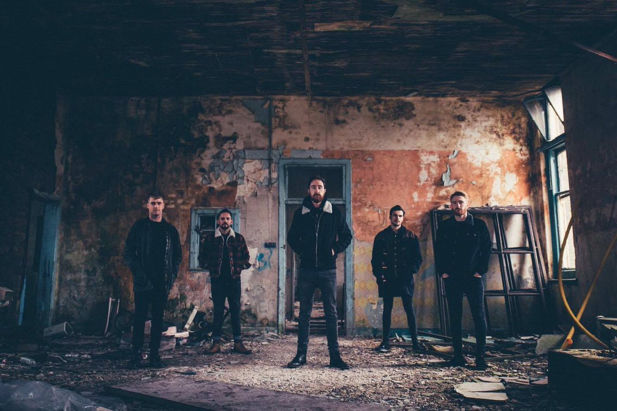 The @ForeignFOXX EP will also be available on 12&quot; vinyl on @scotfiction984 - listen here:  http:// bit.ly/2sWbQzj  &nbsp;   #NewMusic 2/2 <br>http://pic.twitter.com/HLGOk9mma8