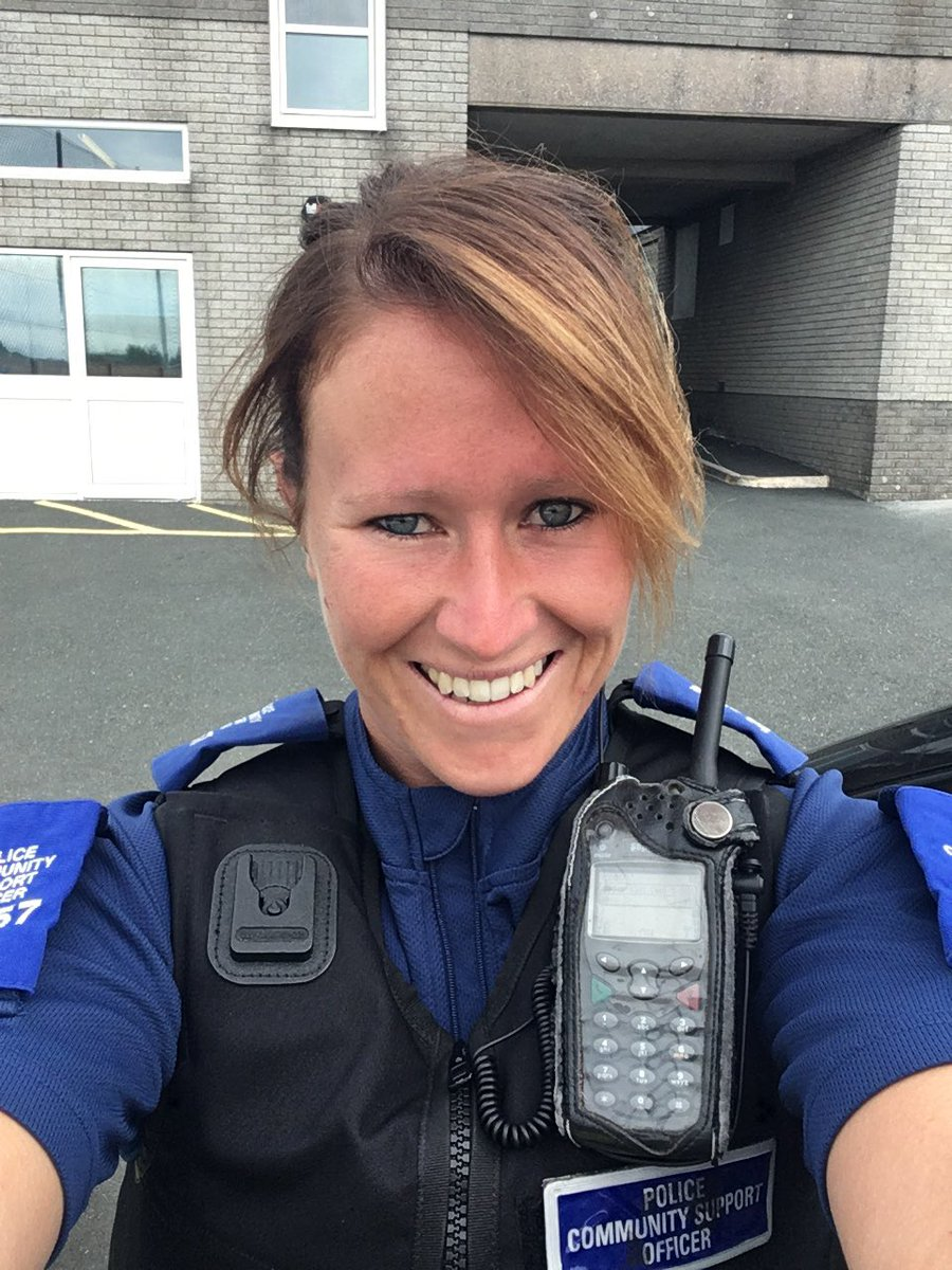 The vest fits &amp; I&#39;m free! Say hello if you see me #Saltash #Police  <br>http://pic.twitter.com/Y9EN2hplqB