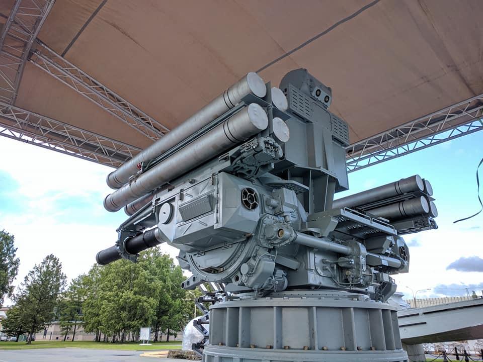 Sistema antiaéreo Pantsir-S. - Página 2 DDUumN_XgAA3t8q