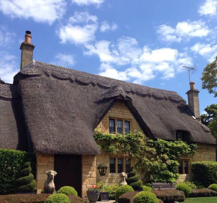 Visiting #London? Take a 1h 40m train to the #Cotswolds  https://www. cotswoldsmysterytour.co.uk/2017/05/31/cel ebrity-tv-chef-at-the-secret-cottage/ &nbsp; …  #ttot #Travel #solotravel #Tours #Manhattan #Dallas #Boston<br>http://pic.twitter.com/jrWaIC2gt6