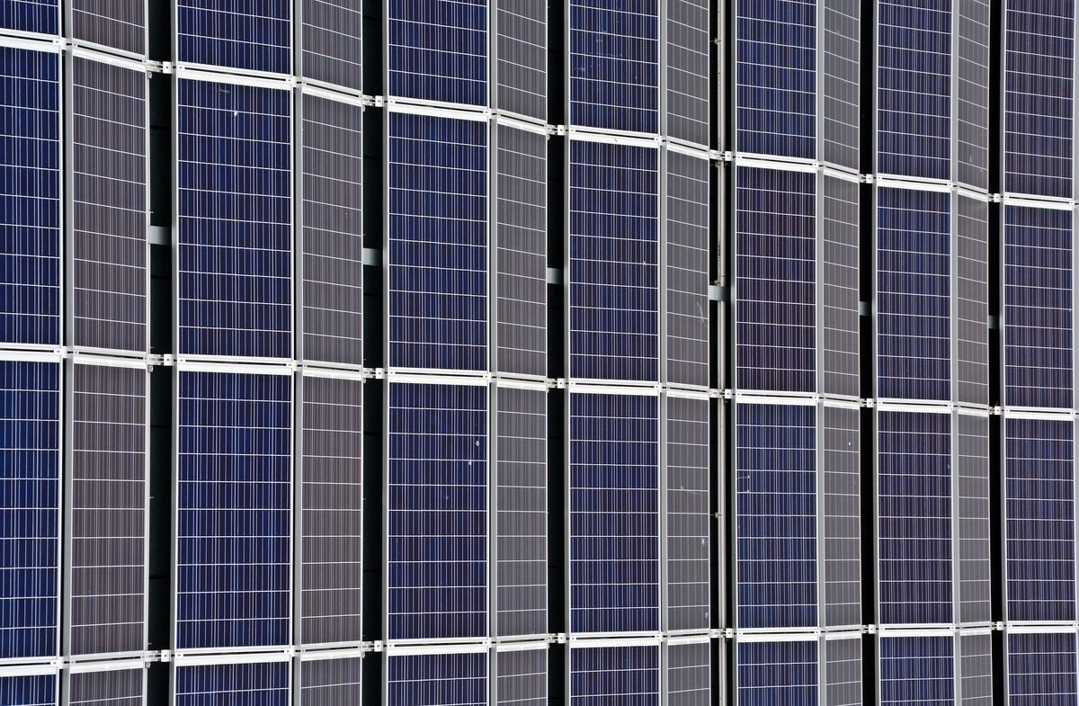 #Africa could be a great leader in the #RenewableEnergy sources globally if they committed to using their resources   http:// buff.ly/2sAo0gU  &nbsp;  <br>http://pic.twitter.com/Fzmdv8WQaW