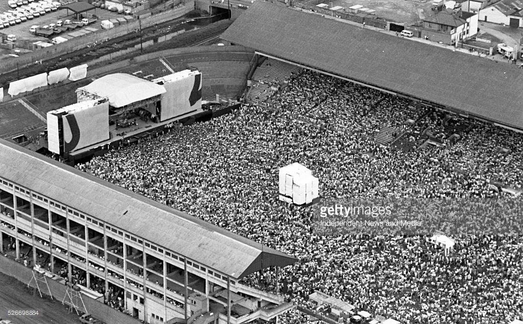 30 years ago today, @U2 played @CrokePark on the original #JoshuaTree tour. They return next month to celebrate the same album! #U2 #TBT <br>http://pic.twitter.com/ZjoHJZYeY5