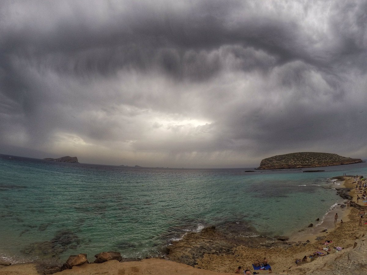 #AtticusIndepand  RT @Twann0: Not that sunny, but still stunning as ever; Cala Comte #Ibiza <br>http://pic.twitter.com/T0jp4kisfm