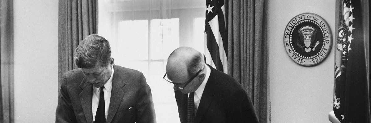 For 60 years, one agency has fought to hold the #CIA accountable - and the Agency has thwarted them at every turn  http:// buff.ly/2tjHObZ  &nbsp;  <br>http://pic.twitter.com/EaUxDj22F8
