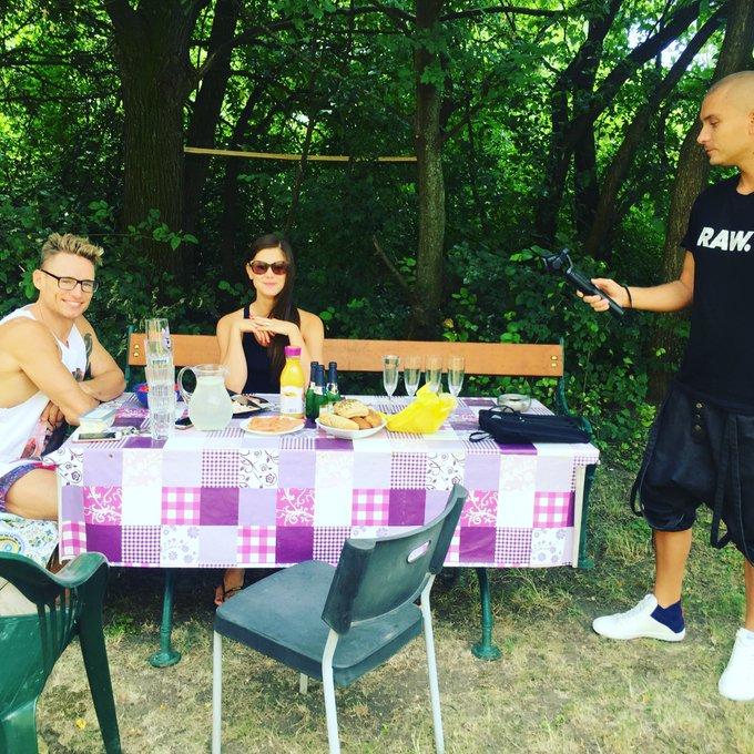 Breakfast 🍳 with friends 😻 #championsbreakfast #champagne #salmon #Austria #littlecaprice #carlacoxrocks