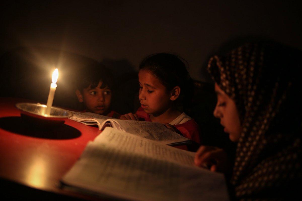 Gazze yaşam mum ışığında geçiyor https://t.co/uAcjOhp9bP https://t.co/...