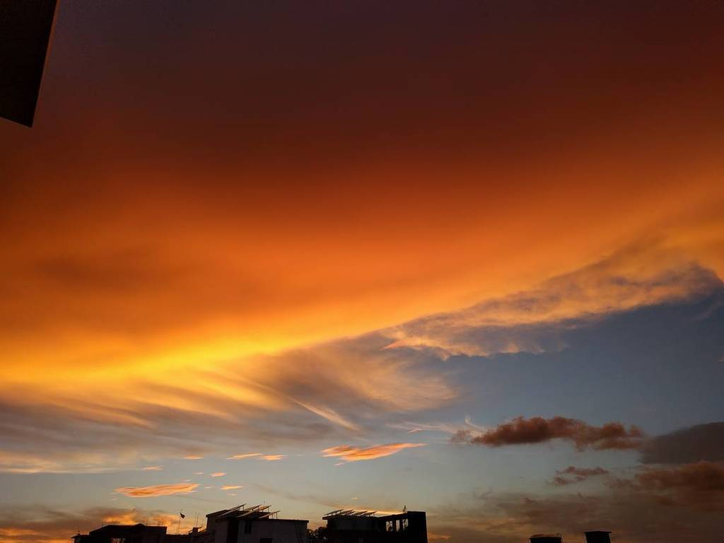 test Twitter Media - Sky on fire! #Evening #Sky #Sunset #Sun #Cloud #Dhaka #Bangladesh #DOHS #Mirpur #Fire #ThroughMyEyes #Eid #eidmuba… https://t.co/IjGAGDvqtS https://t.co/fwby47Z69a