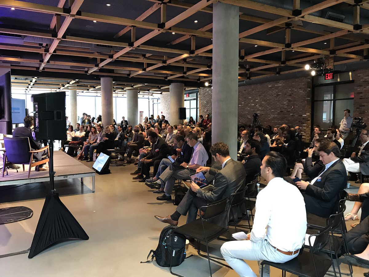 Absolutely packed crowd right at start. One of my most fave #tech confs of year. Great diversity. #NYC #manhattan #paris #france  #LFTCNYC<br>http://pic.twitter.com/8n7BG6LTsS