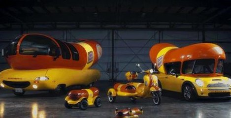 FBI raid #AnthonyWeiner garage and confiscated all his vehicles <br>http://pic.twitter.com/2isBZe9cDU