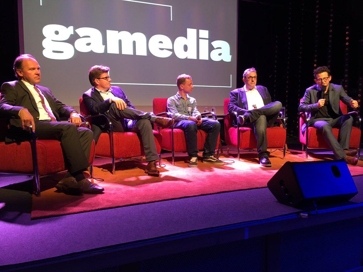#Gamedia @svengatz @philippemuyters @medianetvl @trianglefactory ready for panel #Debate <br>http://pic.twitter.com/LPN4onOnMf
