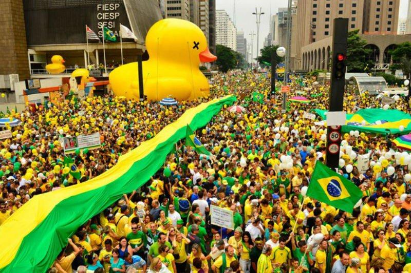 É o mesmo Skaf que pôs o peso e o dinheiro da Fiesp na campanha pelo impeachment de Dilma  https://t.co/2YIWBt8W5n