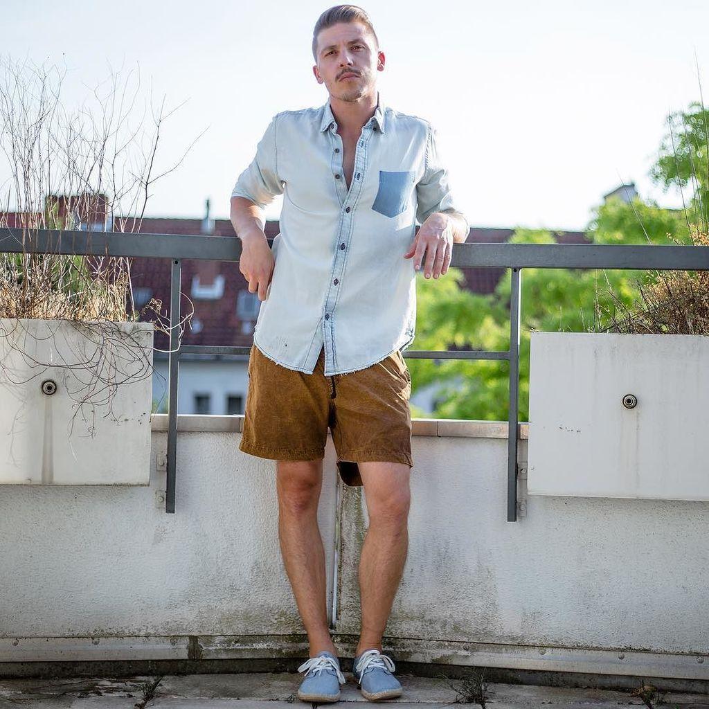 Keeping those summer vibes alive..  Shirt: #zara Shorts: #moonrocks  #blogger_de #blogger #fashionblogger_de #str…  http:// ift.tt/2ueBajD  &nbsp;  <br>http://pic.twitter.com/lClDuIdugp
