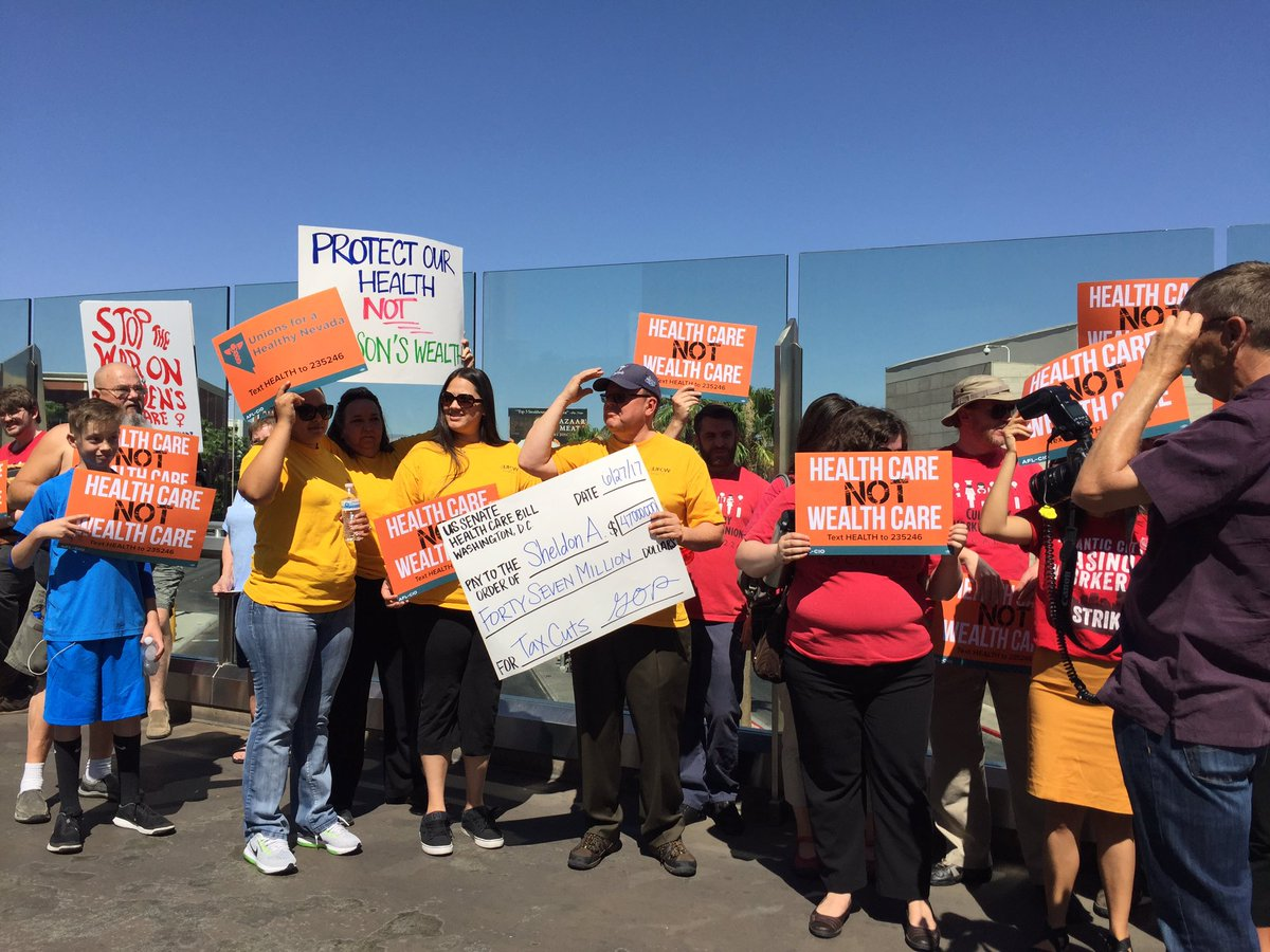 #Vegas crowd out in the heat to say no to Senate #Healthcarebill #HealthcareNotWealthcare for Nevadans!<br>http://pic.twitter.com/myrf0jYVgb