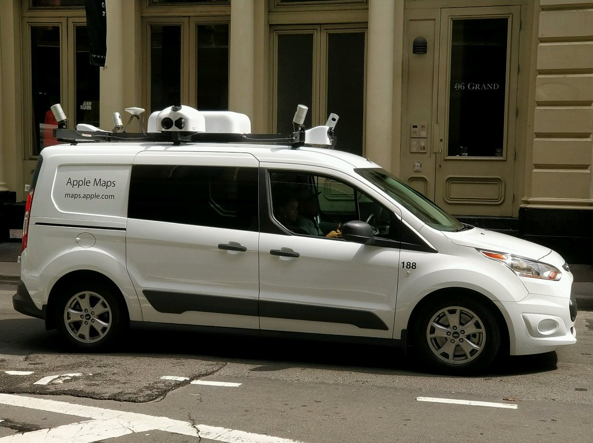 Sup Apple Maps car / undercover self driving project (?)