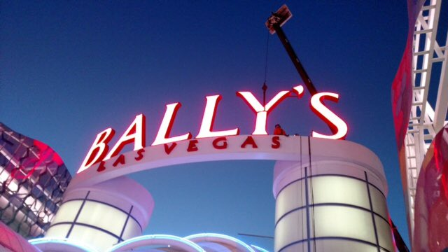 UPDATE: The Y on the BALLY&#39;S sign is back up, so now the front of the hotel and casino no longer says BALLS. @News3LV #LasVegas <br>http://pic.twitter.com/JgyQR68ncD