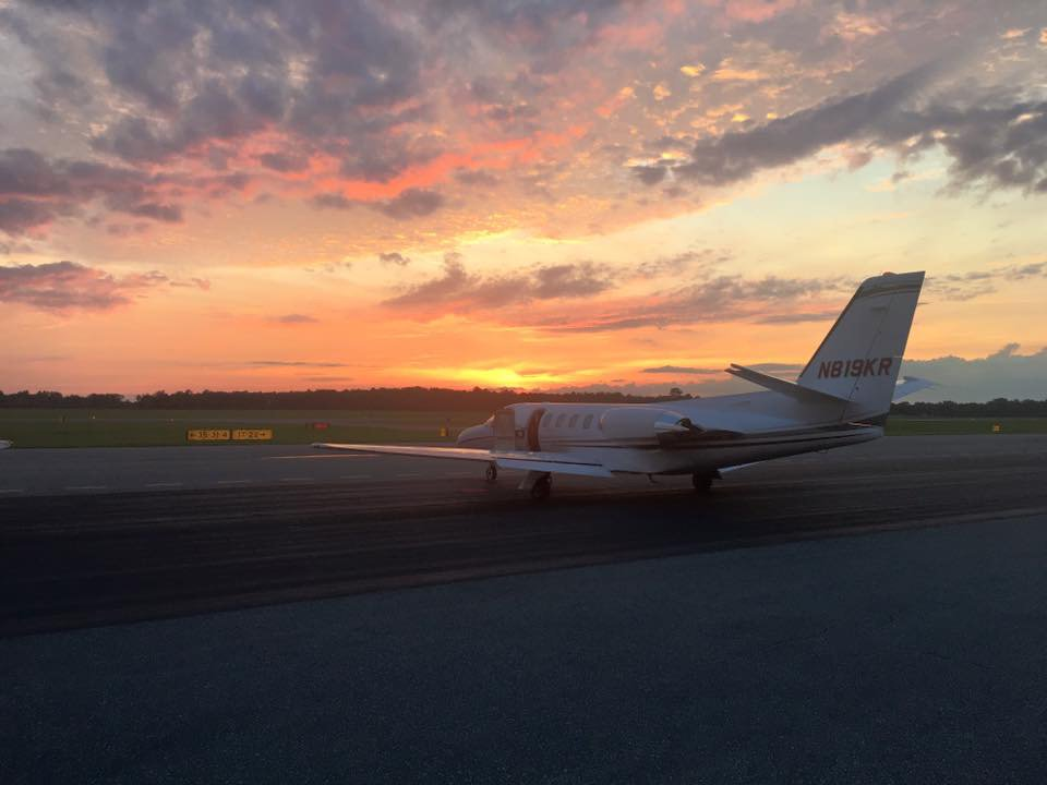 Nothing beats flying into the sunset! #RenniaAviation #FlyRAJets