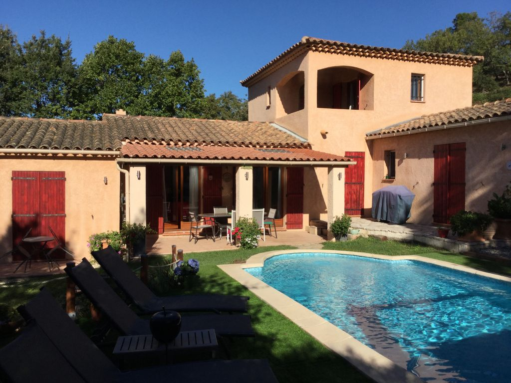 £1000 off selected July dates at gorgeous 3 bed #Provence villa! Hot tub and pool with views over #Cannes  https://www. holidayfrancedirect.co.uk/holiday-rental s/CV005227/index.htm &nbsp; … <br>http://pic.twitter.com/p2xcG6CYKH