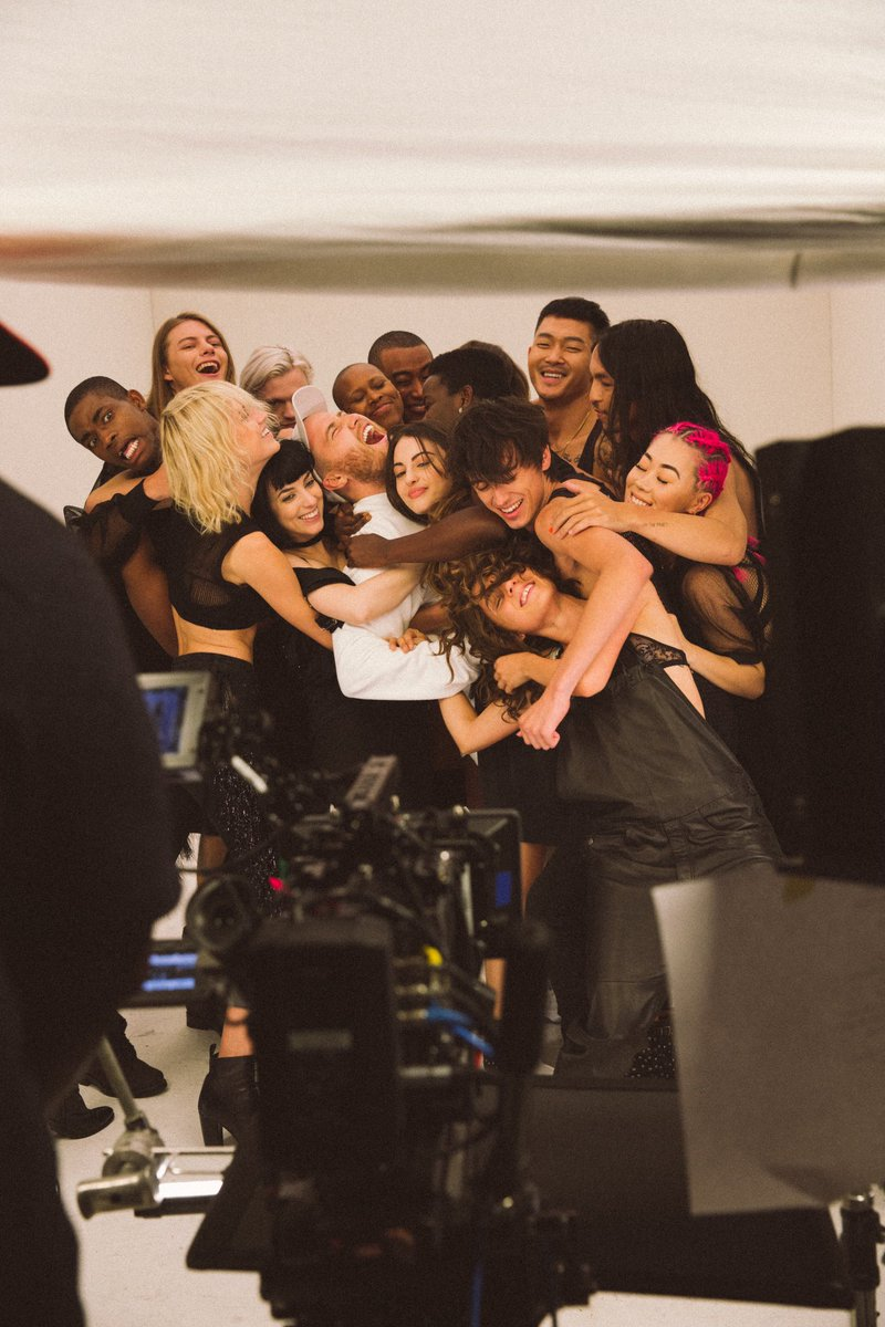 group huggggg 😊