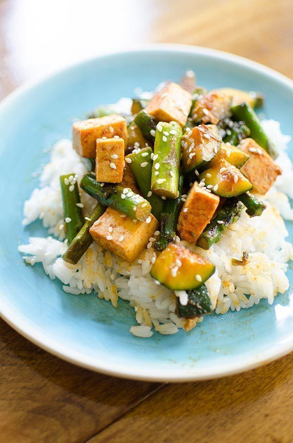 Switch it up with this scrumptious stir fry recipe!  TASTY with asparagus, zucchini and tofu - YUM!  http:// buff.ly/2rTdCUH  &nbsp;  ? #foodie #recipe<br>http://pic.twitter.com/6scgMvjBCW