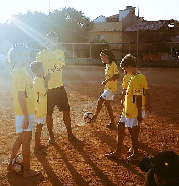 #PSG do Brazil @tsilva3 @marquinhos_m5 @LucasMoura7 @maxwellscherrer<br>http://pic.twitter.com/coo32cZmE9