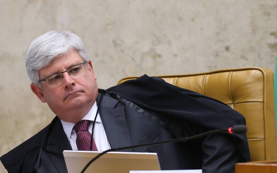 URGENTE: Janot pede para suspender lei da terceirização https://t.co/2JBMqDoNo2