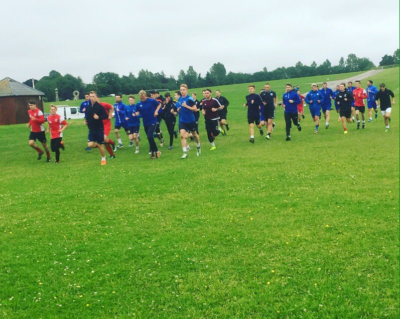 The scholars get stuck into a session with @PickeringTownFC #Scarborough #Football #Scholarship<br>http://pic.twitter.com/exV3yCt5LG