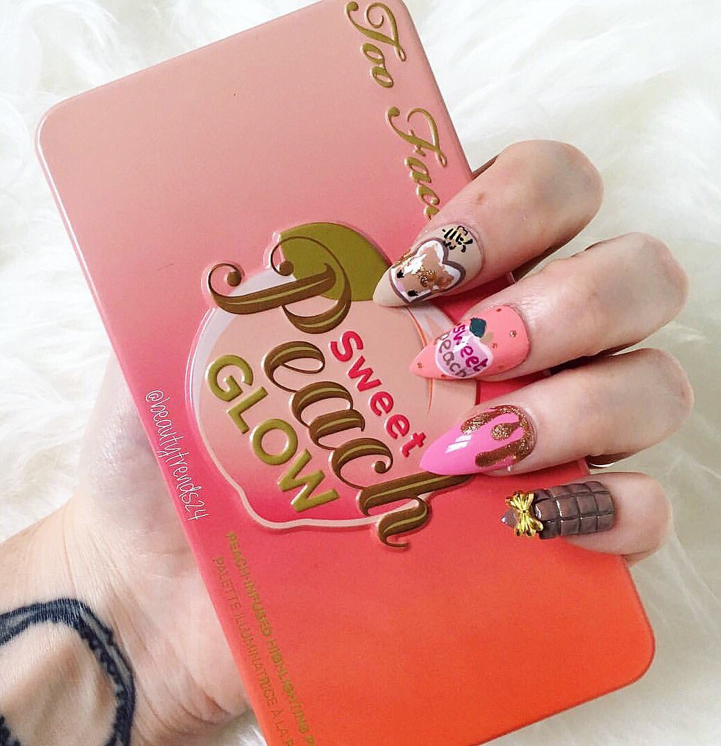 @TooFaced inspired nails with the amazing Sweet Peach Palette!  #TooFaced <br>http://pic.twitter.com/to160Edt4l