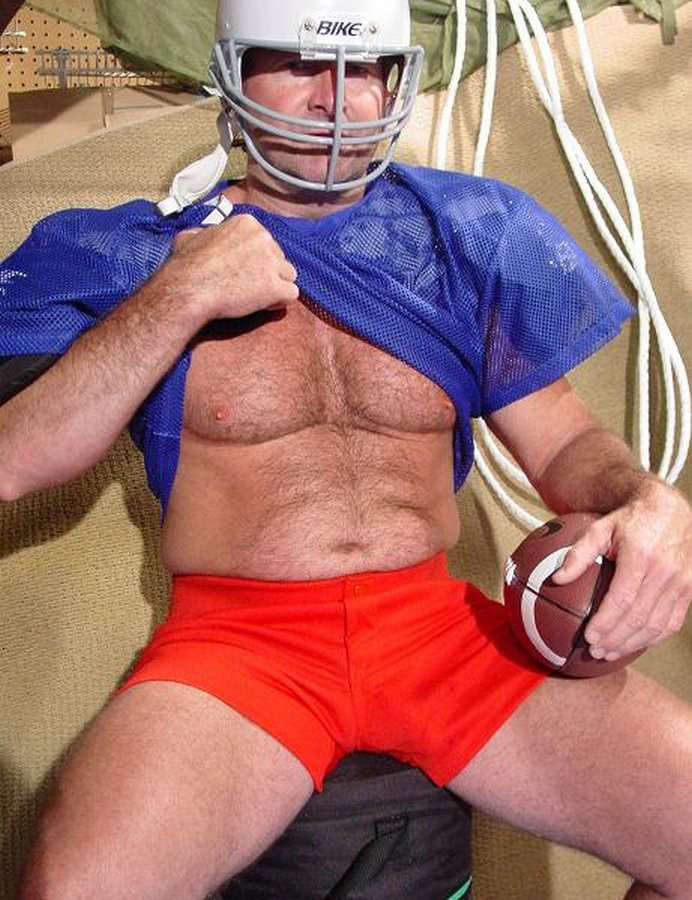 My Football bud from  http:// GLOBALFIGHT.com  &nbsp;   #daddy #football #coach #musclebear #hunk #hairy #chest #stomach #legs #shorts #woof #strong<br>http://pic.twitter.com/mWXmgcfyqD