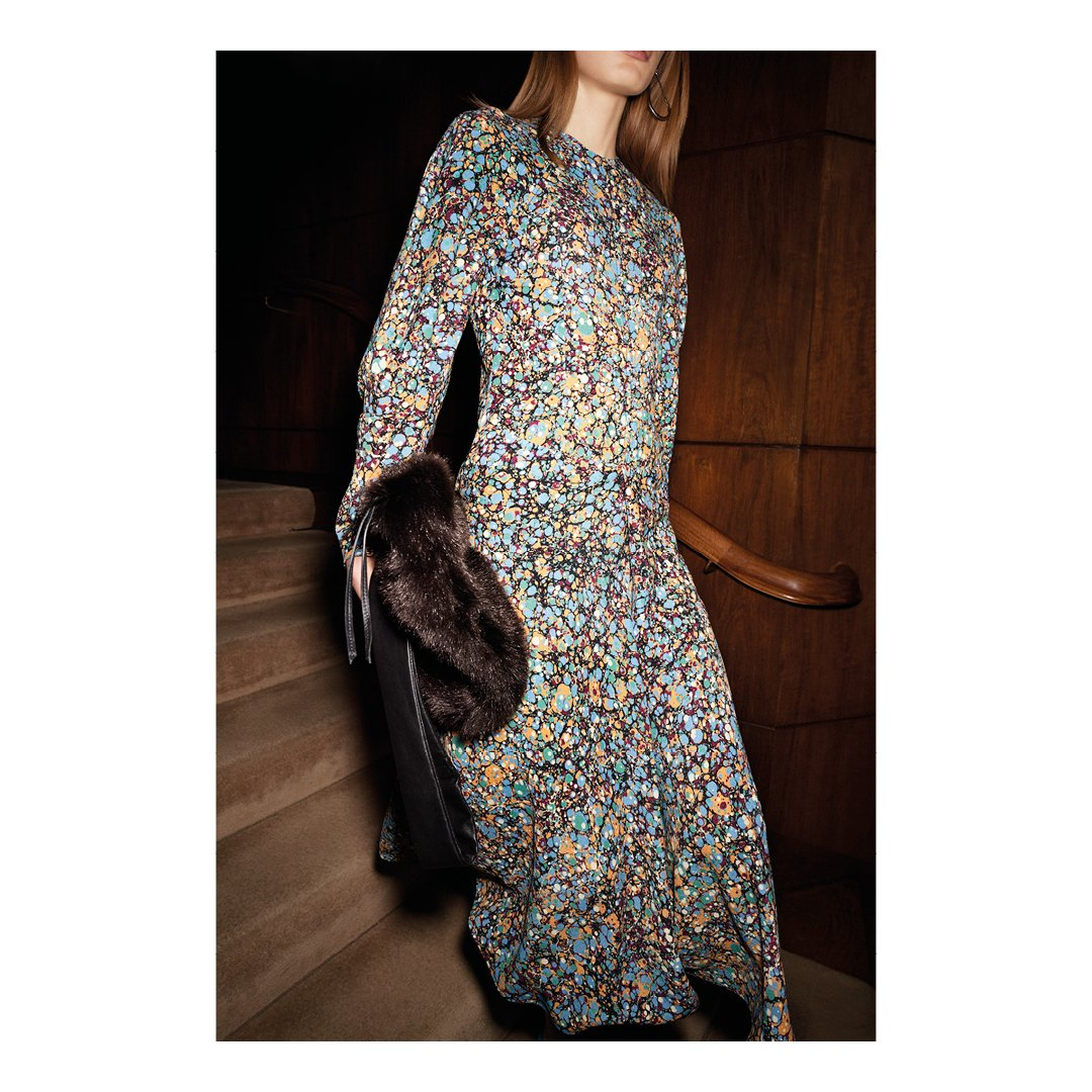 My marble print has arrived online and in stores! x VB #VBDoverSt #VBHongKong #VBPreAW17 https://t.co/CwlWHkEomu https://t.co/TQb4BZrq9X