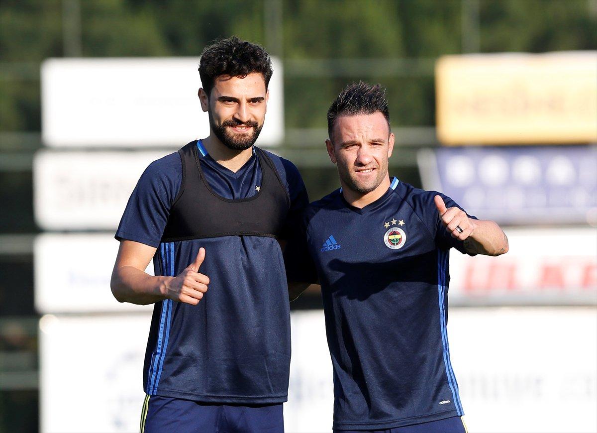 Fenerbahçe'nin yeni transferleri Mehmet Ekici ve Mathieu Valbuena 📸 ht...