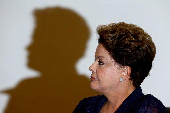 'Golpe' deixou País nas mãos do único presidente denunciado por corrupção, diz Dilma https://t.co/vQa6SgtH3U