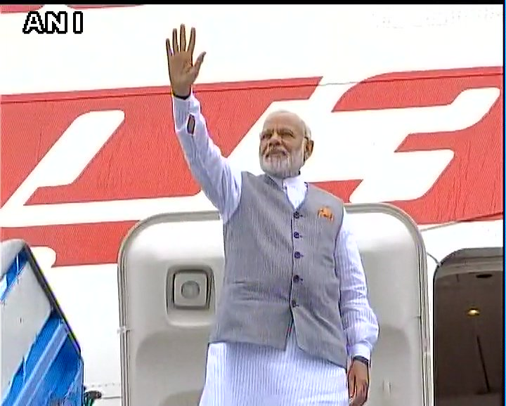#Amsterdam, #Netherlands: Prime Minister @narendramodi emplanes for #Delhi after concluding last leg of his three nation visit<br>http://pic.twitter.com/7tFI2FxSOQ