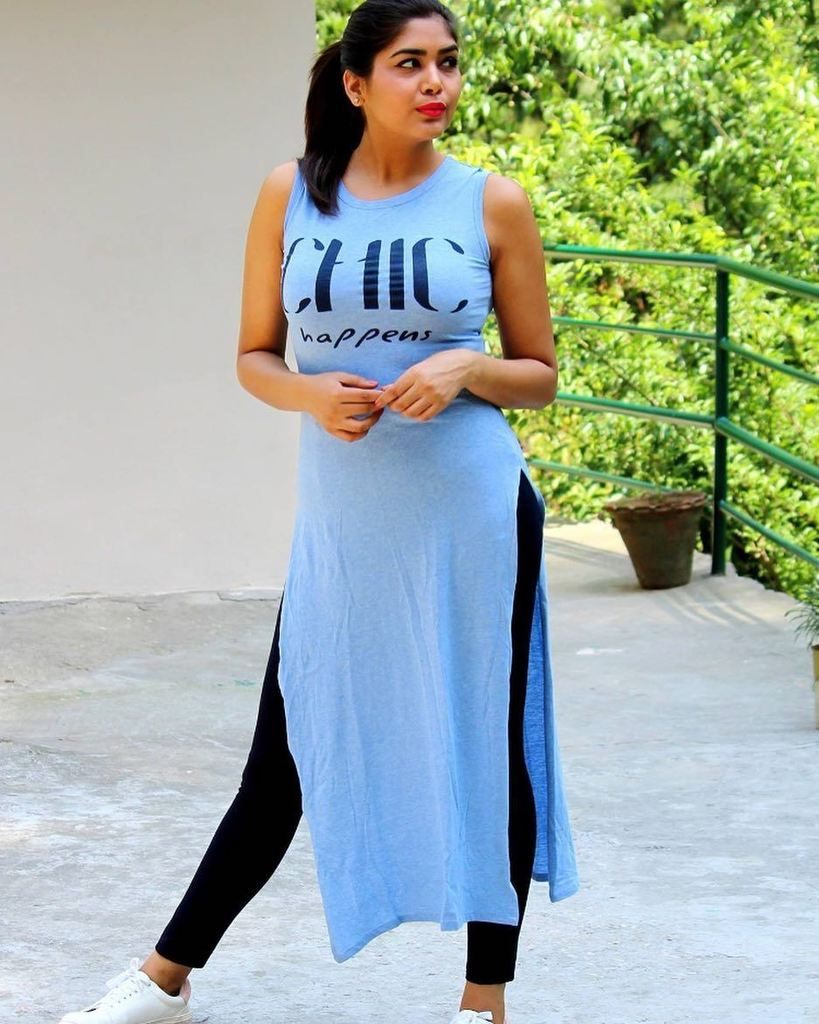 Hi Guys..&quot;Chic Happens&quot; post is published on the blog. Do let me know how you find it. Happy Tuesday! #rigo #myntra #Zara #koovs  …<br>http://pic.twitter.com/US89xAVtEj