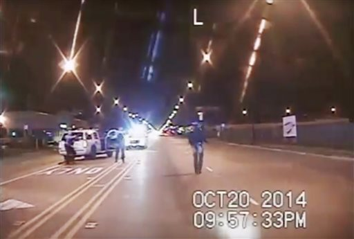 BREAKING: 3 Chicago cops charged with obstruction in Laquan McDonald case https://t.co/SbYcS2j5gw