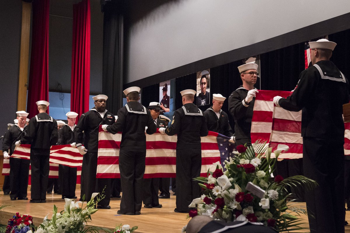 Navy holds memorial ceremony for Sailors killed in USS Fitzgerald collision https://t.co/OIic2jEYt2