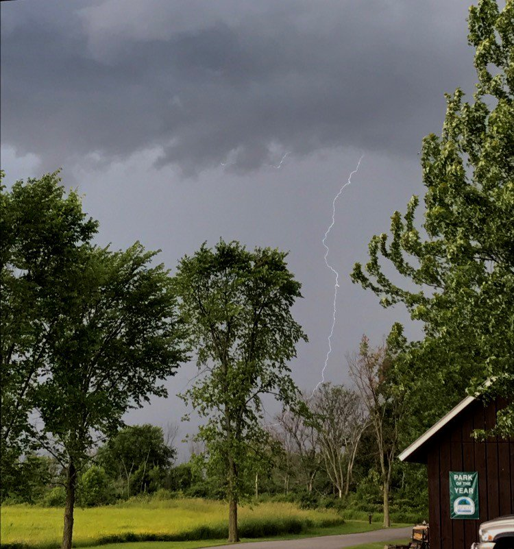 Watching lightning from the Button Bay State Park-- be safe out there! #VT #Vermont #BTV<br>http://pic.twitter.com/J2HAxRPDiV