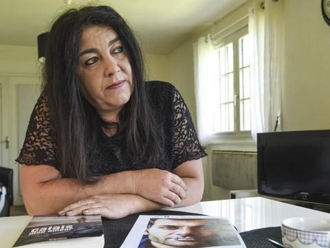 Calais: Ex-sympathisante FN, elle est jugée pour avoir aidé le migrant qu'elle aimait https://t.co/aJKoFba2Hp